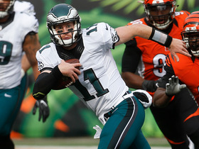 Watch: Carson Wentz catches his own tipped pass for 7-yard gain