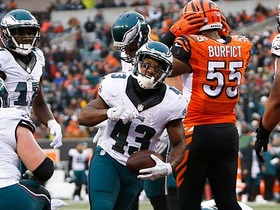 Watch: Darren Sproles runs in for 2-yard TD