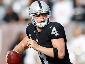 Carr completes pass to Roberts for two-point conversion
