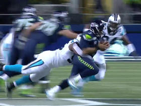 Watch: Charles Johnson sacks Russell Wilson on 4th down