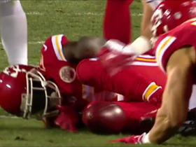 Tyreek Hill muffs punt, Raiders recover