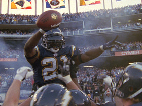 Watch: Tomlinson breaks record for most TDs in a season | TDIH