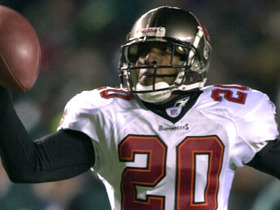 Watch: Ronde Barber Closes Down Veterans Stadium 'Top 10 Interceptions'