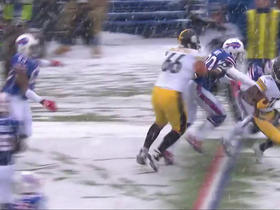 Eli Rogers fakes out defenders for a gain of 9 yards