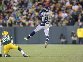 Russell Wilson throws fourth INT vs. Packers