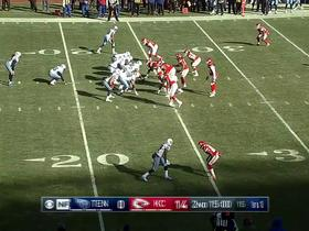 Derrick Henry gains 15 yards with ease