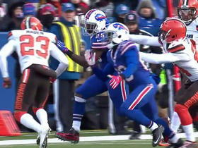 LeSean McCoy runs for 18 yards