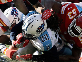 Derrick Henry rushes for a 1-yard touchdown