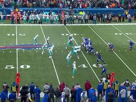 McCoy escapes defender in backfield, gains 7