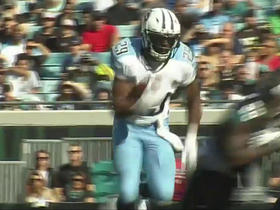 DeMarco Murray bursts through middle for 11-yard gain