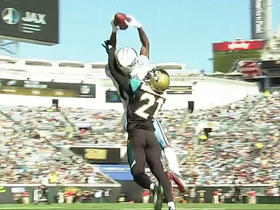 Tajae Sharpe makes leaping catch under pressure