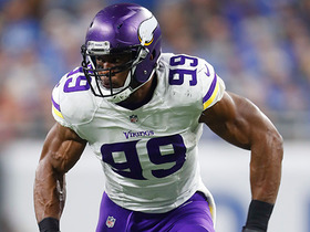Danielle Hunter gets to Aaron Rodgers for sack