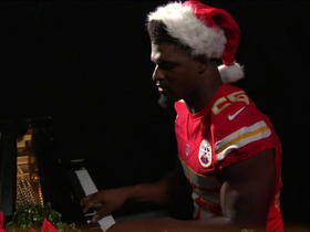 Dee Ford plays Sunday Night Football theme song on piano