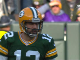 Aaron Rodgers hits Davante Adams over the middle for 19 yards