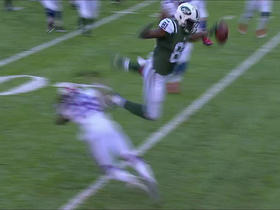 Quincy Enunwa leaps for a Jets first down