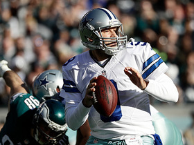 Tony Romo's first completion of 2016 goes for 16 yards