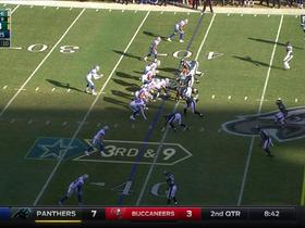 Mark Sanchez finds Lance Dunbar for a 9-yard gain