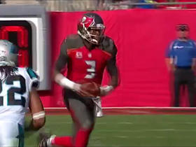 Jameis Winston scrambles for 9 yards