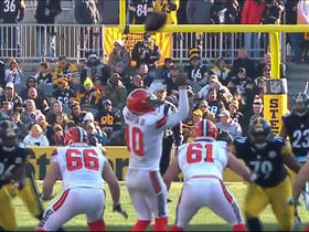 Robert Griffin III can't handle early snap as Steelers recover for pivitol turnover