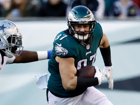 Celek catches tipped pass in Immaculate Reception style