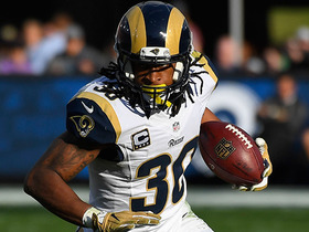 Todd Gurley breaks free for 29-yard catch-and-run