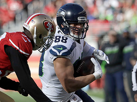 Russell Wilson finds Jimmy Graham for a 42-yard gain