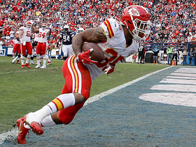Charcandrick West easily scores TD of off 2-yard reception