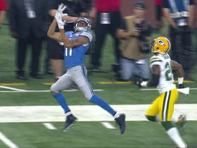 Marvin Jones hauls in deep pass for 30 yards on the sideline