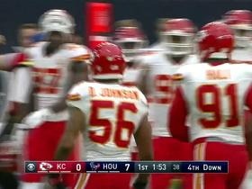 Tyreek Hill with a 32-yard kick return