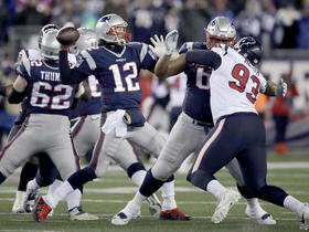 Watch: Brady's pocket presence