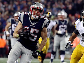 Watch: Brady hits Hogan on crossing route for 39-yard gain