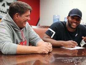 Watch: Watch: Buccaneers Sign O.J. Howard