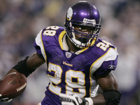 Watch: Adrian Peterson Highlights from Career-High 296yd Game (2007)