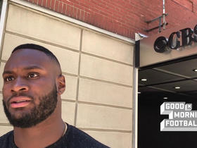Watch: Latavius Murray gets stopped by 'paparazzi'