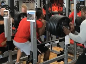 Watch: Nick Chubb squats 600 pounds!