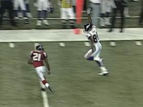 Watch: Randy Moss signals for the ball, scores 67-yard touchdown