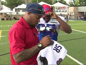 Steve Smith Sr. gives LeSean McCoy his jersey