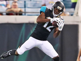 Watch: Dede Westbrook makes leaping grab for a 24-yard gain