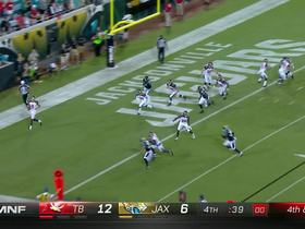 Watch: Jaguars get safety after Bucaneers punter runs out of bounds