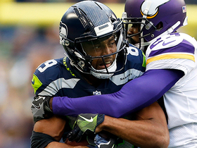 Watch: Doug Baldwin brings it in for a 37-yard gain