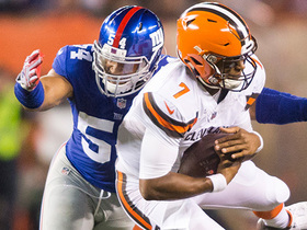 Watch: Giants ambush DeShone Kizer for sack