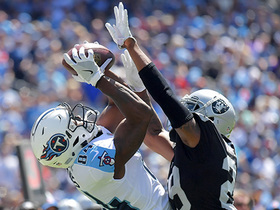 Corey Davis goes up to get ball for impressive catch
