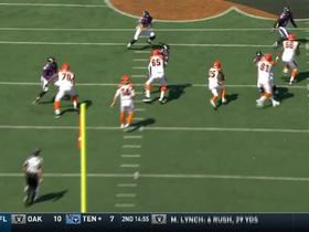 Watch: Giovani Bernard uses speed cut though defense for a 24-yard gain