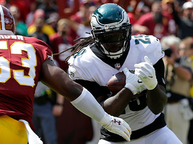 LeGarrette Blount's first TD with Eagles is a catch!