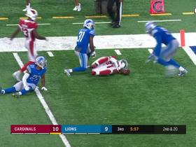 Carson Palmer hits David Johnson for a 24-yard catch