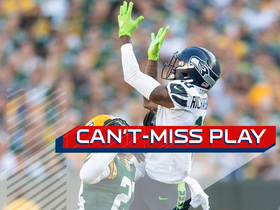 Can't-Miss Play: Paul Richardson pulls in incredible leaping catch