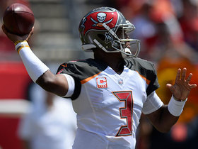 Jameis Winston airs it out, finds DeSean Jackson for 21 yards