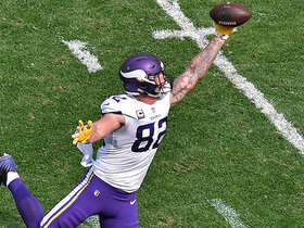 Kyle Rudolph uses full extension for one-handed catch