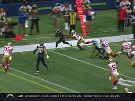 Tyler Lockett takes bubble screen down sideline for first down