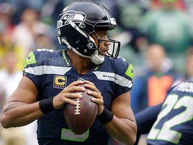 Russell Wilson finds Doug Baldwin for 18 yards
